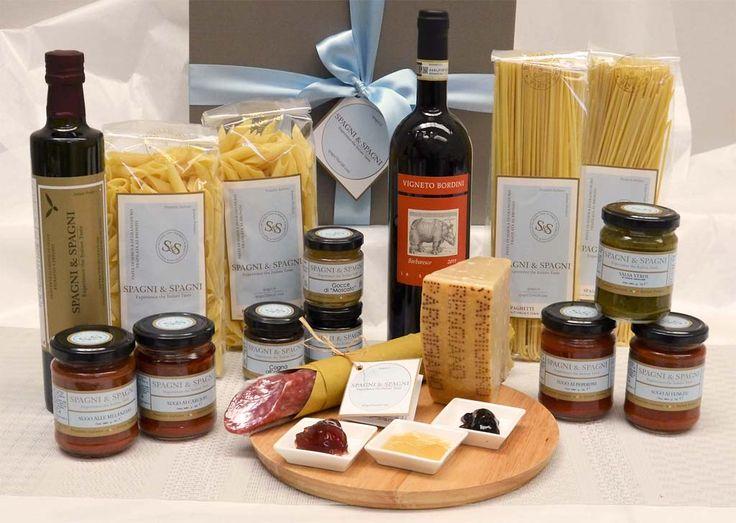 Italian Food Essential #Hamper...  the perfect combination of traditional #Italianfood and #Italianwine https://goo.gl/QfSOsk