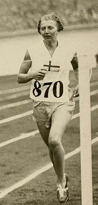 Inga Gentzel   Inga Gentzel - Wikipedia, the free Encyclopedia. Brons på 800 meter vid OS i Amsterdam 1928. En gren som tog bort efter detta OS och kom tillbaks först 1960 för damer i OS sammanhang.  .