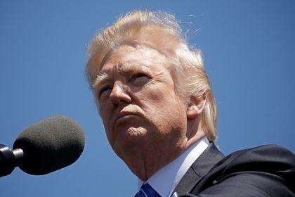 Трамп потребовал от Мадуро отказаться от созыва учредительного собрания       Президент США Дональд Трамп заявил, что если администрация президента Николаса Мадуро не отменит своих планов созвать 30 июля учредительное собрание, то Вашингтон предпримет «решительные и быстрые экономические действия». Трамп отметил, что «Соединенные Штаты не будут стоять в стороне в то время как Венесуэла рушится».