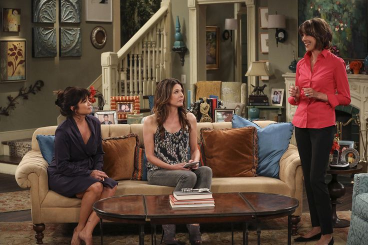 Hot In Cleveland 2014  Season 6, Episode 4 Naked And -5456