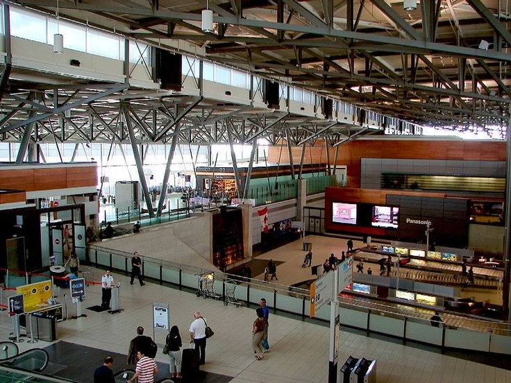 Ottawa Airport - International Arrivals Level. :)