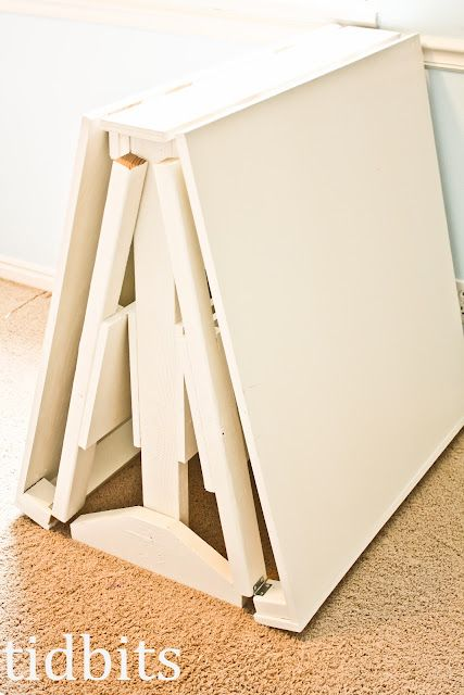 Collapsible Craft Table: Folding Crafts, Table Plans, Tables Plans, Crafts Rooms, Cutting Tables, Crafts Tables, Folding Tables, Sewing Rooms, Cut Tables