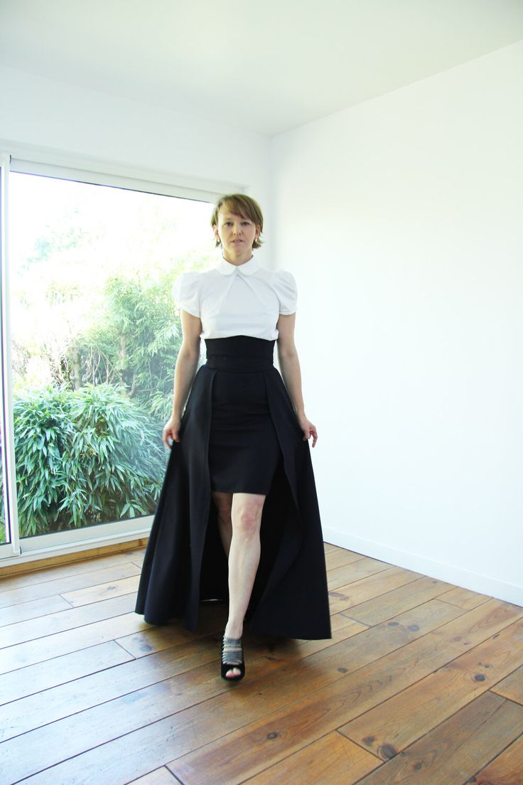 Navy maxi skirt, maxi skirt with pockets, high waisted maxi skirt, ballgown skirt, high low skirt, hi lo skirt, overskirt by JolyDagmara on Etsy https://www.etsy.com/listing/234520623/navy-maxi-skirt-maxi-skirt-with-pockets