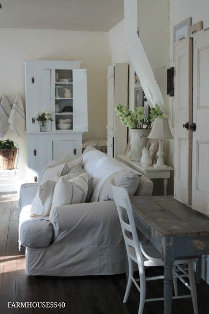 Farmhouse 5540 farmhouse living room walls cottage white behr lovely colors white for Farmhouse living room paint colors