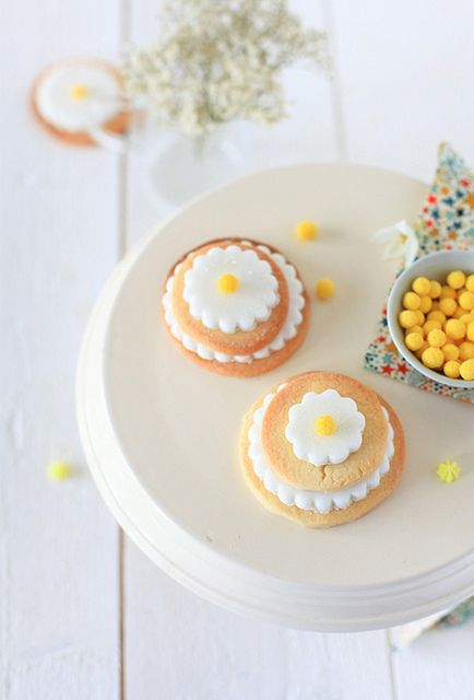 Yellow Mimosa Cake Pops