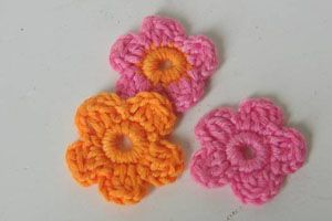 Crochet little flower applique tutorial