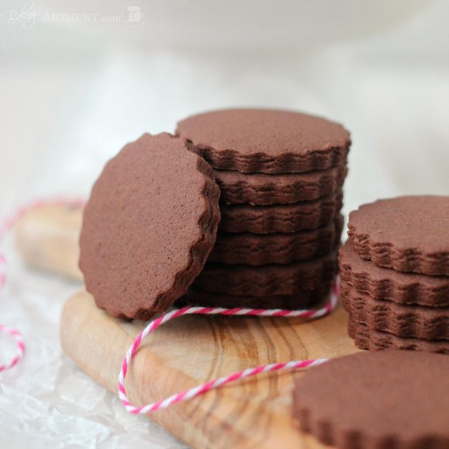 Simply Perfect Chocolate Sugar Cookies. Doesn't spread. Would be perfect for my cookie cutter with messages tool!