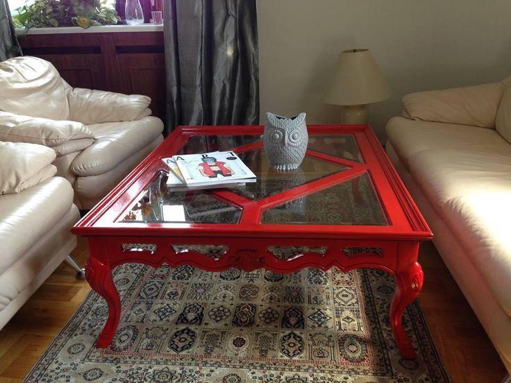 Яркий стол со стекляной столешницей | Nicecatch