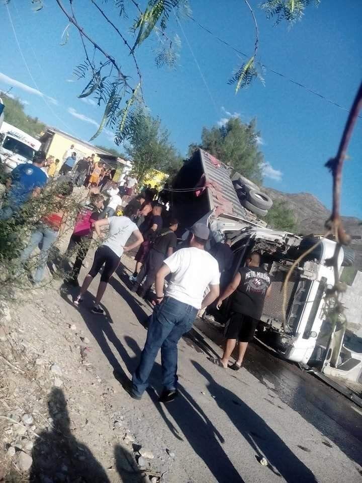 <p>Chihuahua, Chih.- Según el parte médico, Mayra García Altamirano, la joven de 25 años, que ayer resultó herida tras volcar