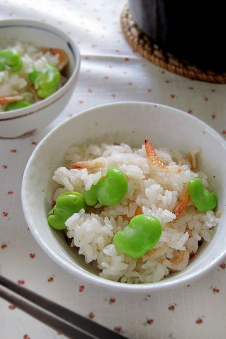 空豆と桜海老の炊き込みご飯 と アスパラガスの冷製ポタージュ