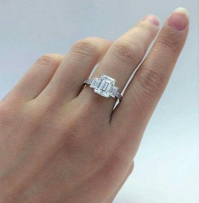 Anello diamanti taglio smeraldo Iannaccone gioielli Avellino Italia gioielleria Italy,  Ben fatto, welldone,