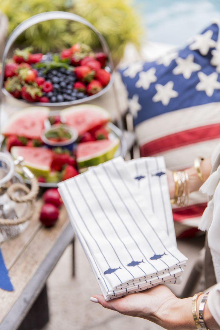 Host Fourth of July with the Ultimate Red, White, & Blue Table - Fashionable Hostess | Fashionable Hostess