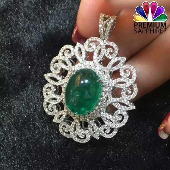 Precious emerald stone pendant wear it by following right way to get benefits from  http://www.premiumsapphire.com/blog/wearing-methods-emerald-panna-gemstone/
