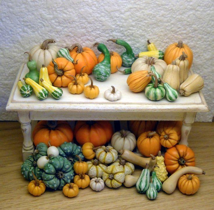 Whimsical quarter scale houses, OOAK, and 1/12th scale foods by Italian artist Loredana Tonetti