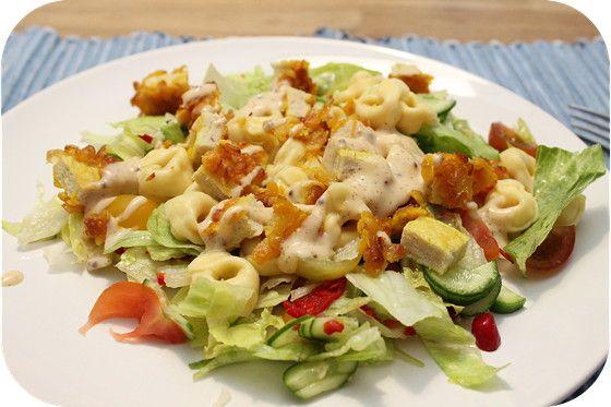 Tortellini met Krokante Kip Salade