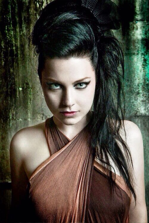 Amy Lee- I love Evanescence!