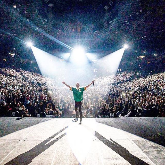 G-Eazy - We know that happened. They can never take this shit away. Oracle arena sold out. Bay to the universe !!! 🙏🏼🙏🏼🙏🏼🙏🏼🙏🏼🙏🏼🙏🏼 Yee!
