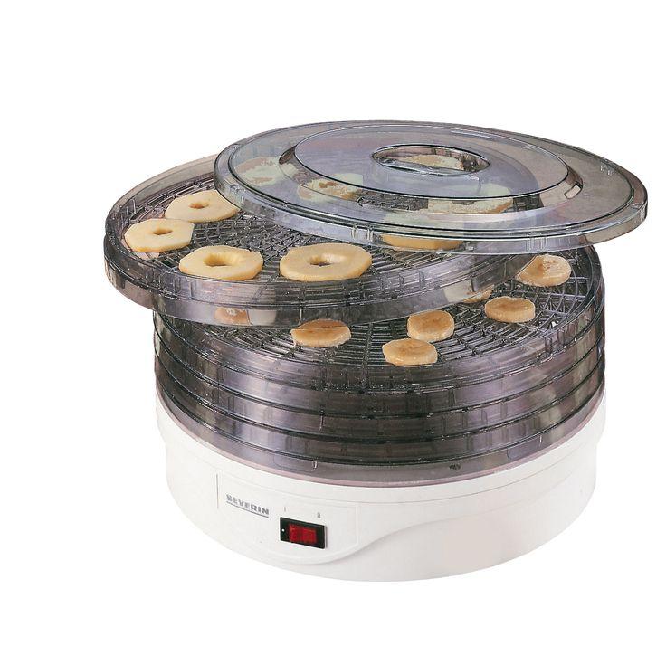 DESHIDRATADOR AUTOMÁTICO DE FRUTAS 2940 Potencia 250 W. Dimensiones 330 x 201 x 335 mm (ancho x altura x profundidad) Nº EAN 4008146294006 Carcasa de plástico. Para deshidratar frutas, verduras y hierbas aromáticas. 5 cestas deshidratadoras, pueden usarse por separado. Cestas ajustables en 2 alturas diferentes. Motor ventilador. Interruptor de apagado/ encendido con luz piloto. Temperaturas máximas: 85 °C abajo, 70 °C arriba. Con tapa transparente. Cestas de un diámetro de 31 cm.