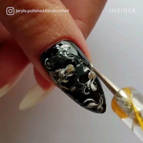 Prawdziwa sztuka malowania paznokci  #geodenails #nailart #beautymania https://video.buffer.com/v/58fc9d2ed5b62f4a7bb4fcf4