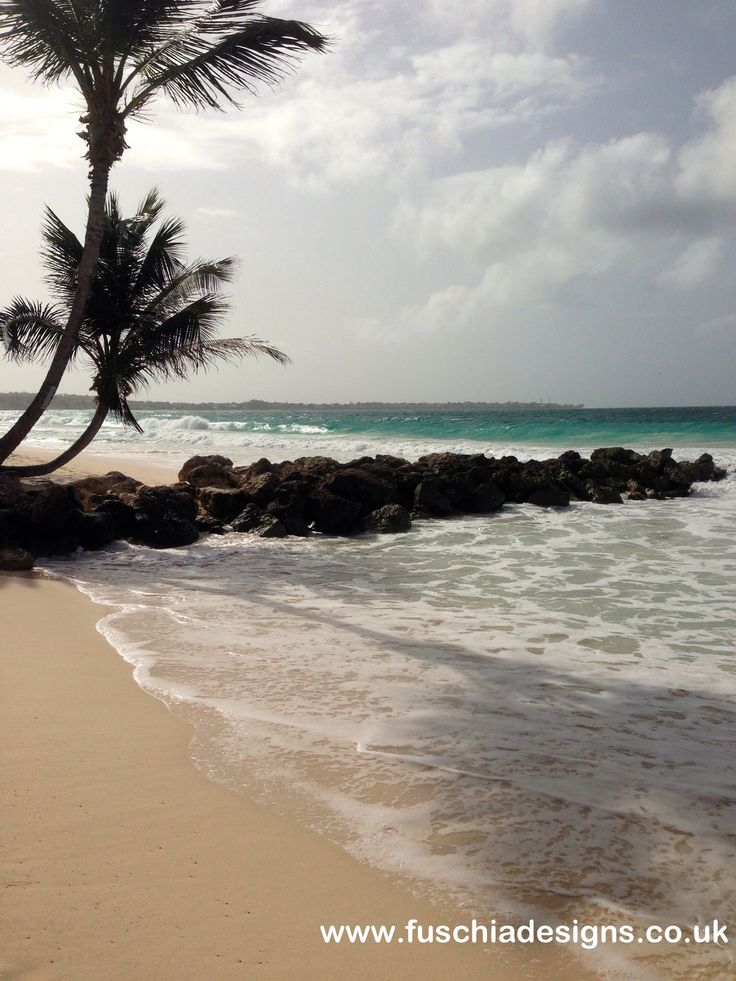 The beach at Turtle Beach Resort in Barbados. By www.fuschiadesigns.co.uk.