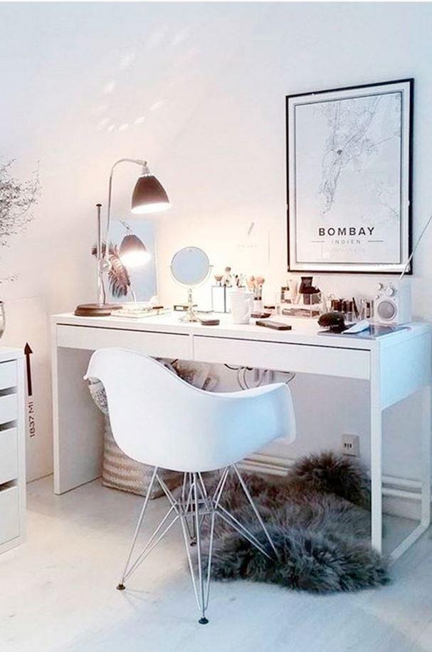 Best Light Up Makeup Mirror Mirrors For Makeup Vanity Set With Lights Lights Around Mirror