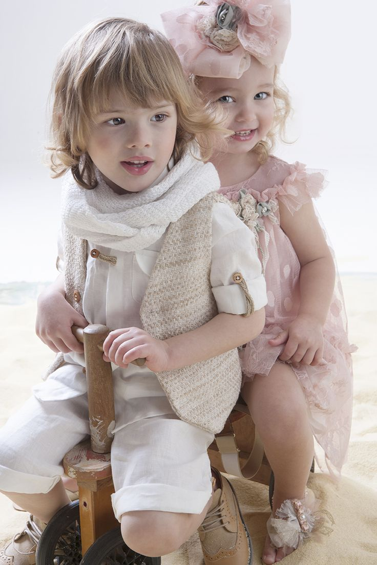 Χειροποίητα βαπτιστικά ρούχα... επιλέγουμε και συνδυάζουμε μόνο τα καλύτερα <3 www.angelscouture.gr