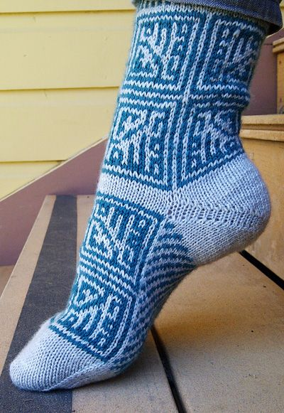 Microprocessor socks: Knitty Deep Fall 2011