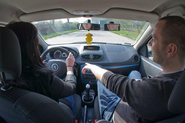Warto poczytać na ten temat http://egzamin-na-prawo-jazdy.pl/prawo-jazdy-kat-uprawnienia-dla-kierowcw/