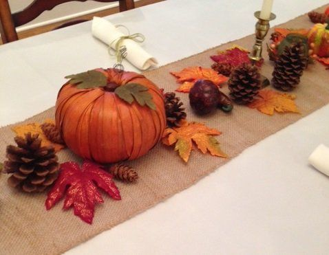Thanksgiving Tablescape   Includes An Ivory Tablecloth, 10 Napkins, Burlap  Runner, Cornucopia Basket And Fall Decor