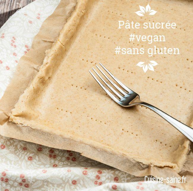 La pâte sucrée est utilisée pour les fonds de tarte. Je vous propose une recette de pâte sucrée sans gluten, sans beurre et vegan. Elle peut servir de base à vos tartes aux fruits cet été, myrtilles, fraises, framboises, mirabelles… Je vous proposerai bientôt la version de la tarte à la rhubarbe avec cette pâte sucrée.