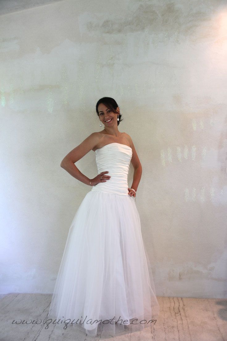55 best robes de mari es simples simple wedding dress images on pinterest simple bridal. Black Bedroom Furniture Sets. Home Design Ideas