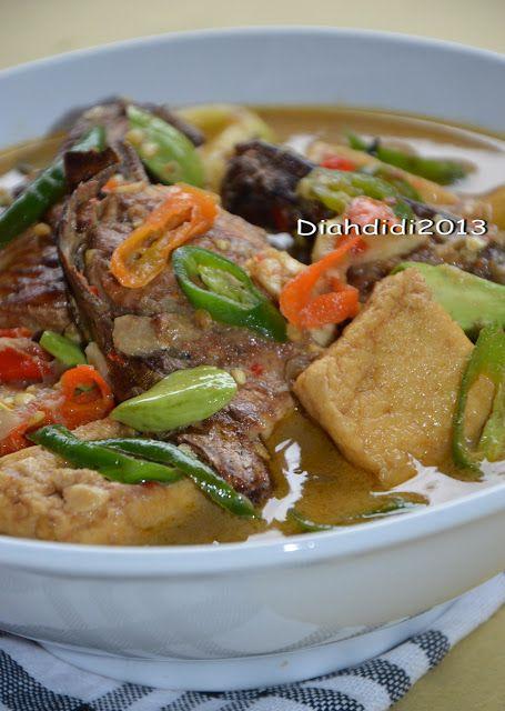 Diah Didi's Kitchen: Mangut Iwak Pe dan Iwak Manyung Asap..Hidangan Berkuah Pedas , Lezat dan Sarat Gizi Yang Terkenal di Pesisir Utara Jawa...