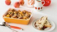 Strata de pain aux raisins, pêches melba et noix de coco à la muscade -   Pâques sans un savoureux brunch, ce n'est pas Pâques!