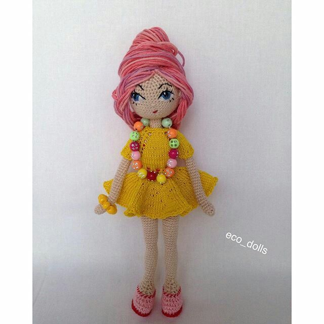 Amigurumi doll with amazing pink hair do. (Inspiration ...