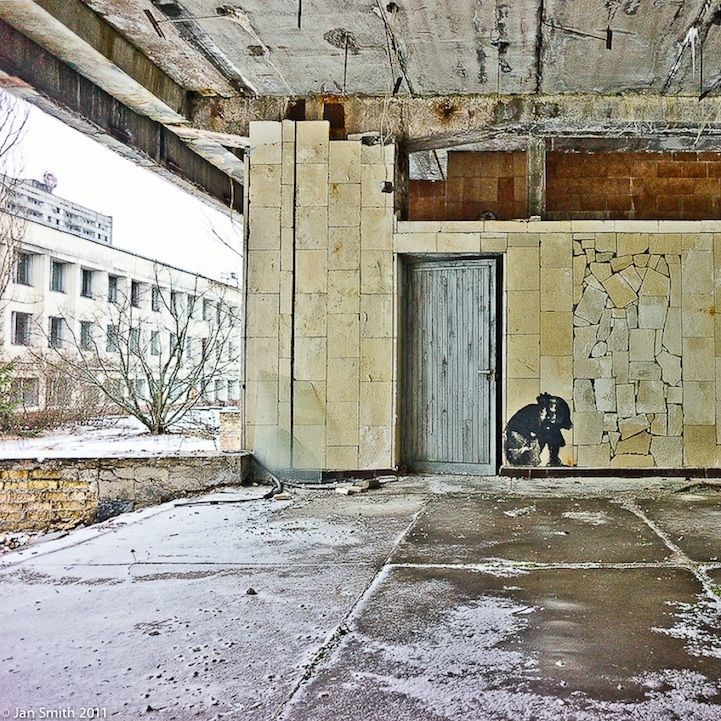 Photographer Jan Smith reached out to us to tell us about a beautifully haunting photo series he shot at Chernobyl (here's the first). It's been exactly 26 years since the catastrophic nuclear accident occurred in the Ukrainian city. In 1986, the city was evacuated and today it is mostly uninhabited, save for a small number of people. We asked Smith to tell us, in his own words, why he decided to photograph the city's graffiti and what he, ultimately, wants others to get out of it.: Concept Photography, Jan Smith, Haunted Graffiti, Photographers Jan, Street Art, Wall Things, Streetart Intsjernobyl, Abandoned Beautiful, Abandoned Chernobyl