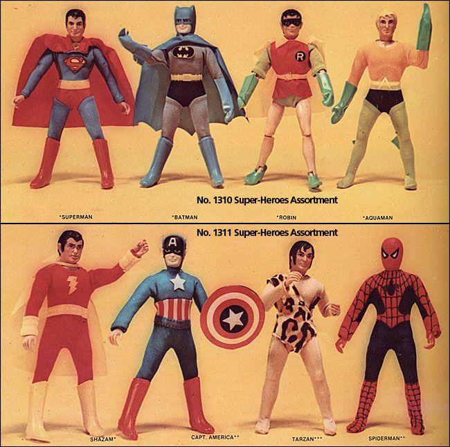 """Li volevo tutti, ma dovetti accontentarmi """"solo"""" di Cap, Spiderman, Robin, Shazam....mio cugino aveva Batman buon per lui. Che scontri che battaglie :-)"""