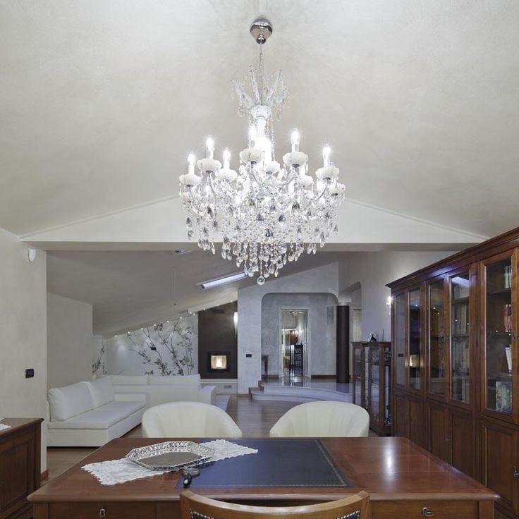 #interiordesign #homedecor #luxury #mariatheresachandelier #crystal #lightingpassion #crystallighting #decor