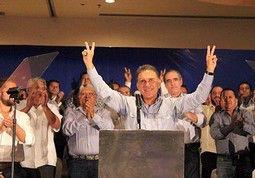 En serio creen que este tipo debe ser candidato a gobernador????