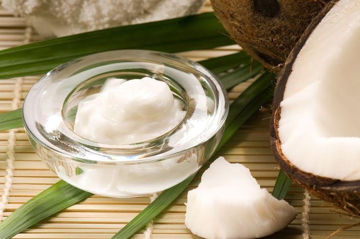 Solo tres ingredientes naturales hacen una crema fácil de hacer y usar apto para todas las pieles en la zona tan delicada como los ojos. El aceite de coco, v...