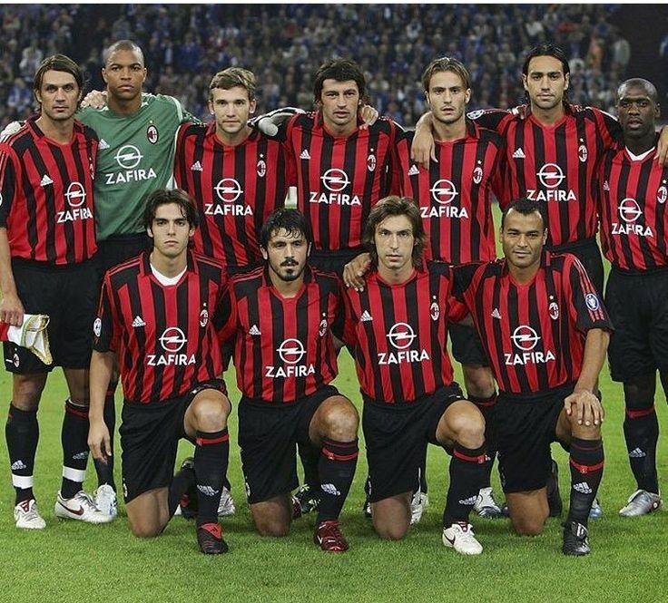 Che squadrone questo Milan: Maldini, Dida, Shevchenko, Kaladze, Gilardino, Nesta, Seedorf; Kakà, Gattuso, Pirlo, Cafu. #ACMilan #Milan