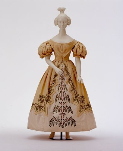Evening dress, 1830-32 From the Wurttemburg State...