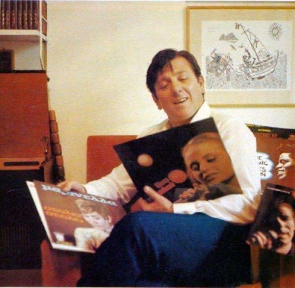Σπάνιες φωτογραφίες του Κώστα Βουτσά, 40 χρόνια πριν