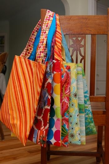 Easy Book Bag Tutorial. Just made this in oilcloth! Works well! Highly…