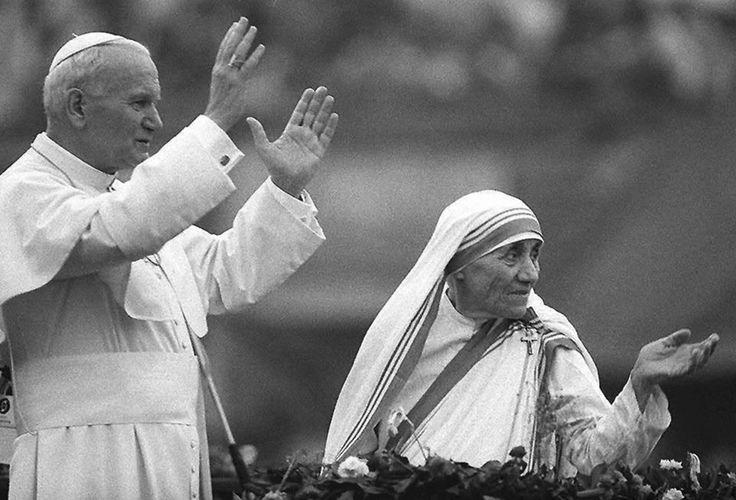 1986. Február 3.- Teréz Anya és Szent II. János Pál találkozása Calcuttában.