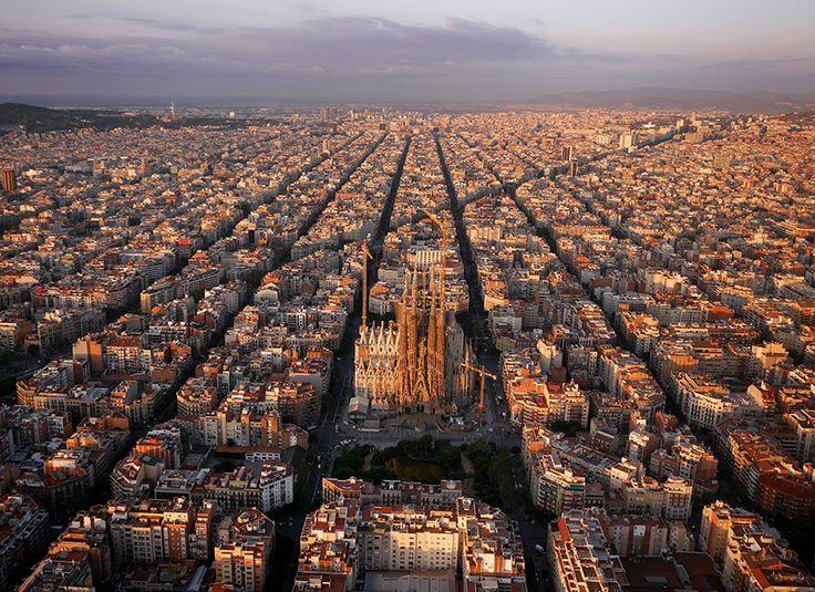 The neatly arranged suburbs around Sagrada Familia, Barcelona