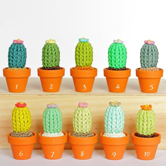 This small potted cactus do not itch et do not require a green thumb ! Finally some plants you will not kill ;-) Install them on a shelf, on your desk, as a decoration in your living room or bedroom. It will make a great effect anywhere ! Treat yourself with an original, funny and trendy home decor !  LISTING FOR ♥ 1 crochet potted cactus ♥ Approximate size : H 10 cm (4 in) ♥ Width of the plant pot : 4.8 cm (1.9 in) ♥ Mercerized cotton thread, Cotton and polyester yarn, stuffed with…