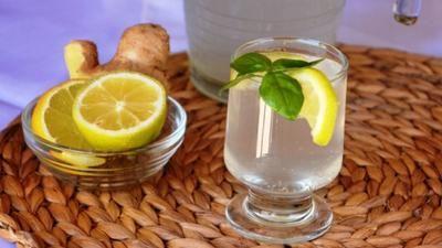 Zkuste pít zázvorovou vodu na lačný žaludek. Nestačíte se divit, co všechno s vaším tělem dokáže