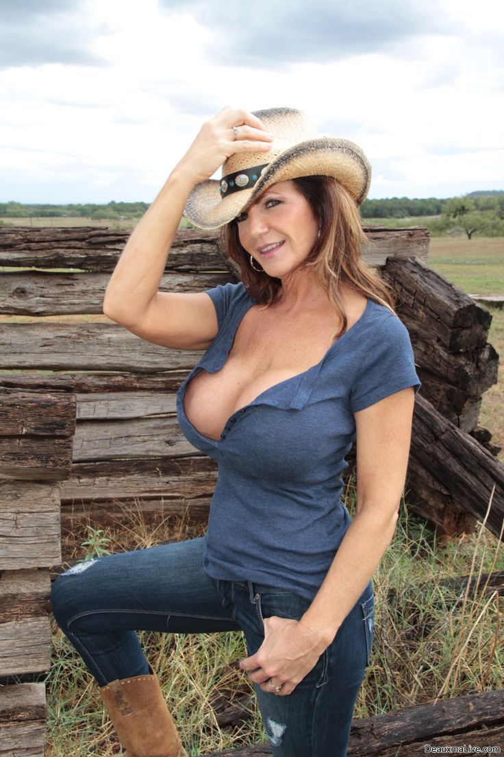 Busty Cougar Deauxma  Up & Exercises Bare On Her Porch!