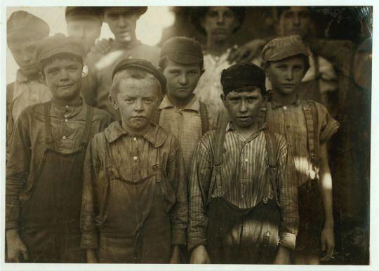Child labour in Birmingham, Alabama c. 1910