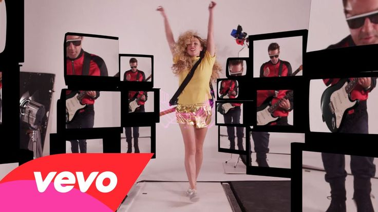 The Ting Tings - Do It Again. #TheTingTings fabulous retro music video for their new single #DoItAgain is, without a doubt, the best video you'll watch all week! Step back into the 1970's and enjoy the technical brilliance of this psychedelic visual.